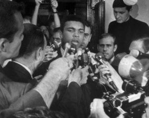 ベトナム戦争の徴兵拒否】モハメドアリ、王座はく奪からの復活 ...